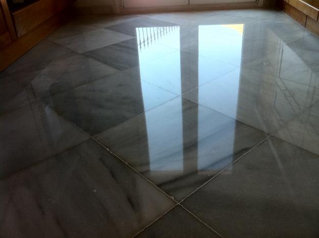 Pulir suelo de m rmol - Pulir marmol a mano ...