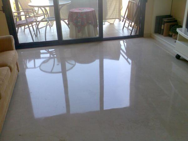 Pulir suelo de m rmol for Pintura color marmol